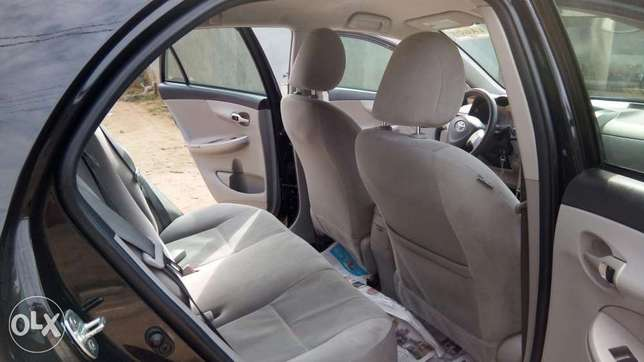 Buy and Drive Toyota Corolla LE 2012 Model With Auto Fabric Cold AC. Lekki - image 4