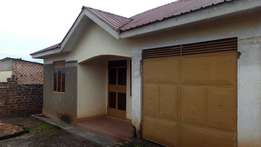3 bedroom house for sale in kasangati at 55m.