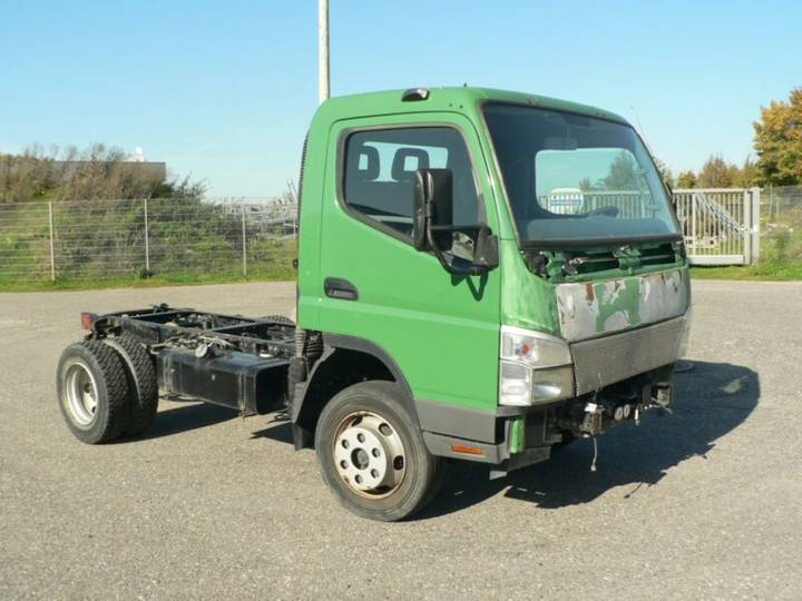 Mitsubishi Canter Fahrgestell zum Aufbauen oder Ersatzteile - 2007