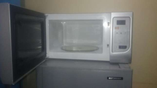 Microwave (with Grill) Roysambu - image 5