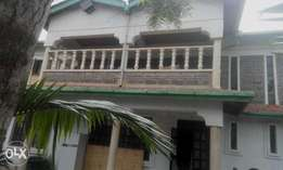 This is a 6 bedroom maisonette with sq in Ongata Rongai