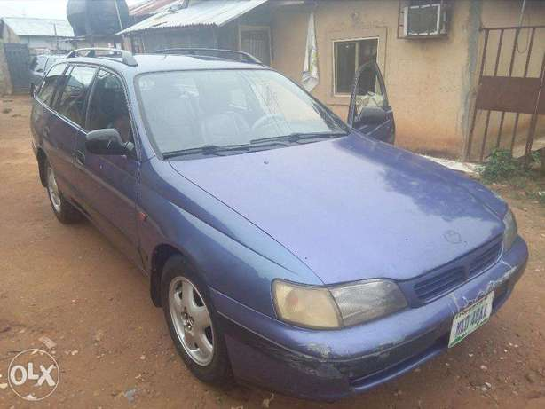 A very clean and well maintained Toyota Carina E 2.0GLI Abuja - image 1