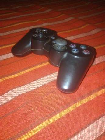 I want to buy spoiled PS3 controllers Nairobi CBD - image 2