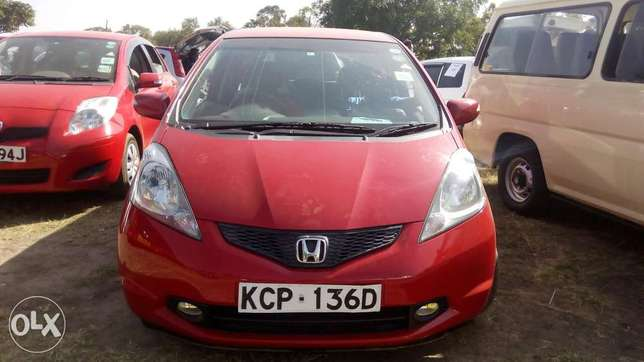 Honda Fit, 2010 model new import Nairobi CBD - image 2