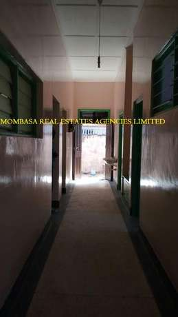 Bungalow commercial house for rent at 100k Mombasa Island - image 5