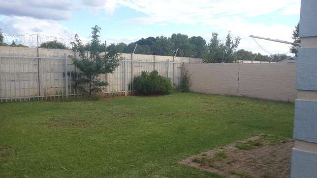 3 Bedroom townhouse to rent in LHP Bloemfontein - image 4