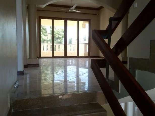 LUXURIOUS 4 bedroom HOUSE with fitted air conditioners Nyali - image 3