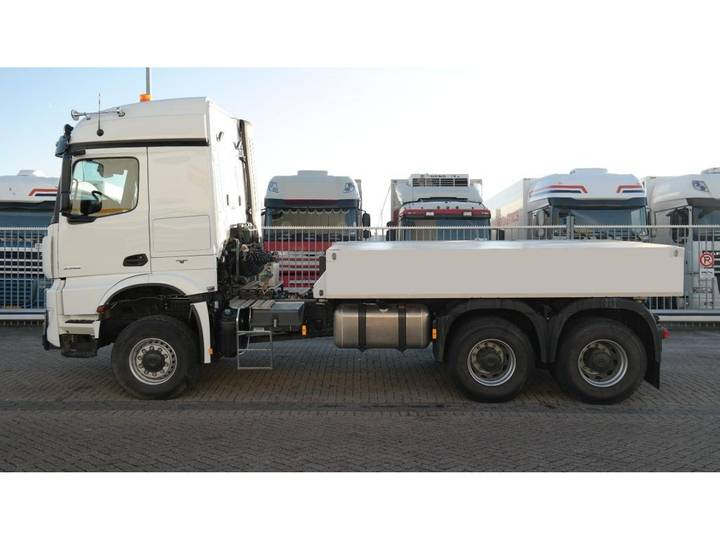 Mercedes-Benz AROCS 3352 180 tons push and pull HEAVY DUTY 6X6 EURO 6 9... - 2016 - image 2