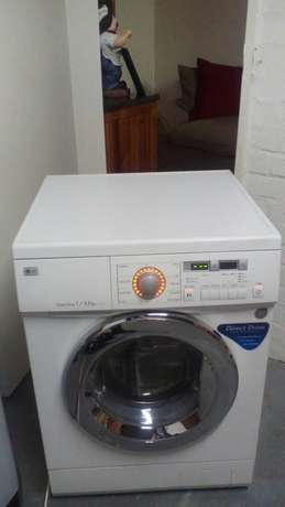 Lg direct drive washer/ dryer in excellent condition Brackenfell - image 3