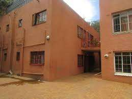 Highlands North Rouxville open plan bachelor townhouse R3000