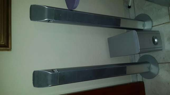 Speakers in great condition Sunward Park - image 3