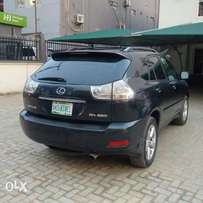An ultra clean naija used 2007 lexus RX350 for sale