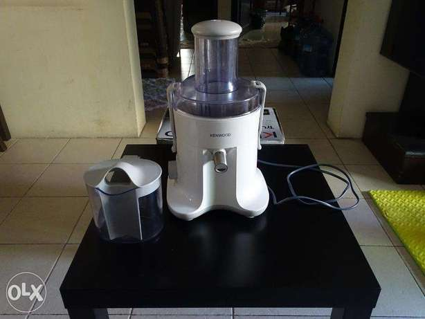 Kenwood Electric Juice Maker Complete With Box And Manual