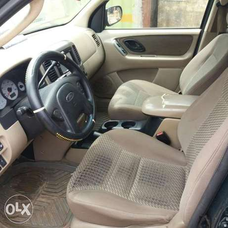 Registered Ford Escape XLT (First Body)- 2004 Oshodi/Isolo - image 5