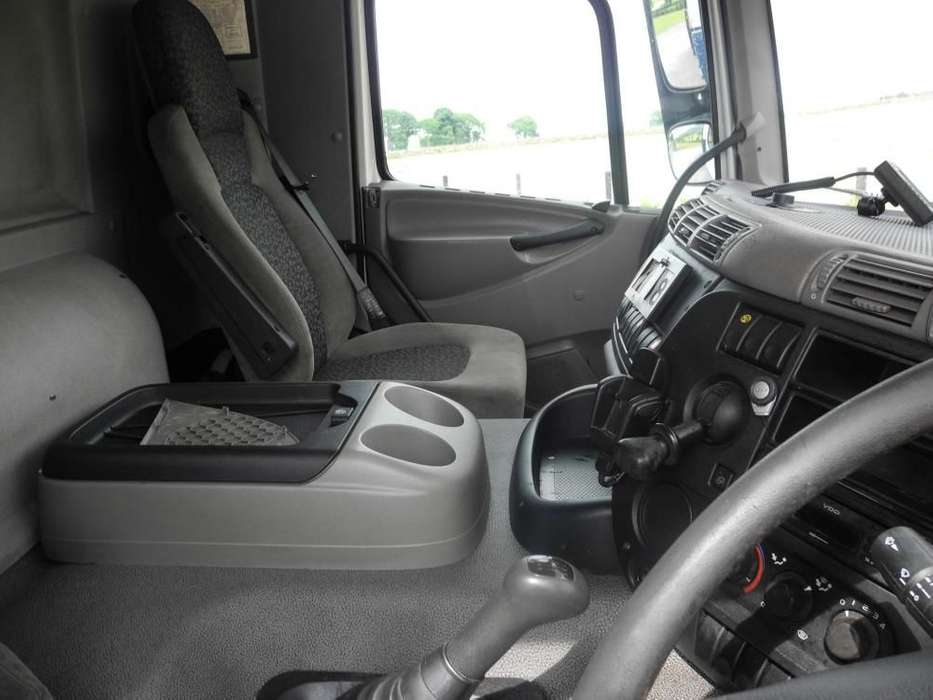 DAF 65 220 platte vrachtwagen - image 9