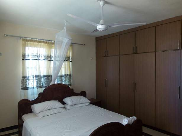 4 BD Holiday Apartment One Block From The Beach. Nyali - image 6