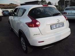 A Nissan Juke, 2013 model, factory a/c, c/d player, central locking, w