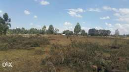 1/4plot kapsabet st George's with title 150meters from tarmac
