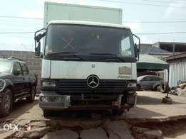 Benz 815 Truck with Container Body Tokunbo