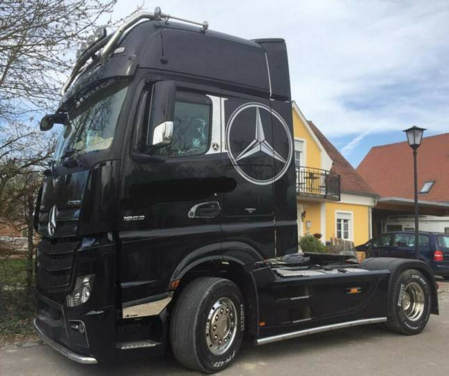 Mercedes-Benz 1851 LS Giga Space - 2017