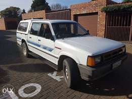 mazda b3000 v6 in excellent condition