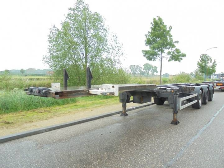 Renders 3-Axle Chassis / BPW / NL-Trailer / X-Steering / APK - 2008