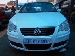 Volkswagen Polo 2004 Manual Gear 68,000 km 1.6 Comfort Line Hatch