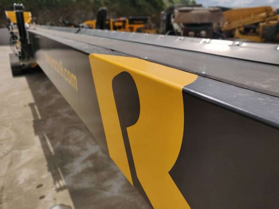 Roco T80 Tracked Stacker - 2019 - image 11