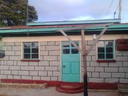 2 bedroom house to let at banana hill