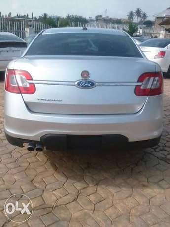 2012 Toyota Scion tc and 2011 Ford Taurus Ibadan South West - image 8