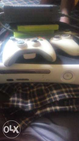 Xbox 360 for sale or swap with all accessories Apapa - image 2