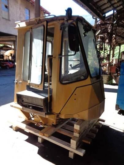 Fiat cab for -ALLIS Fr 12 B excavator