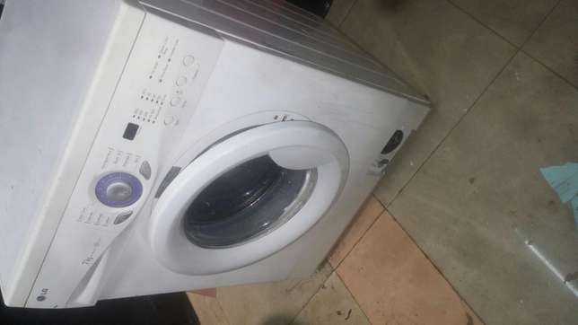 Washing machine lg Nairobi CBD - image 2