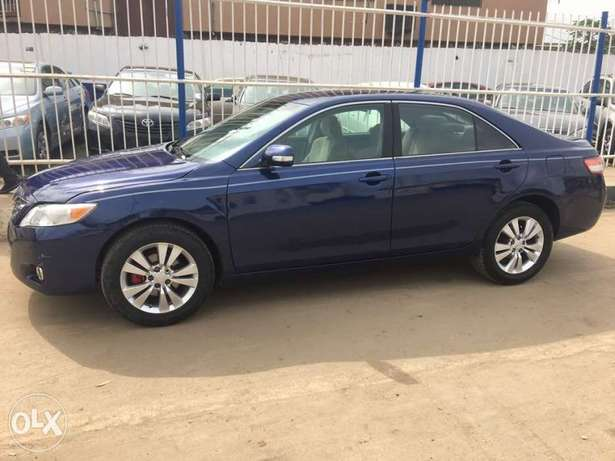 Super clean 2008 naija used Toyota Camry LE for 1.9m Lagos Mainland - image 2