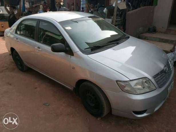 A very clear used Corolla 2004 Ikeja - image 2