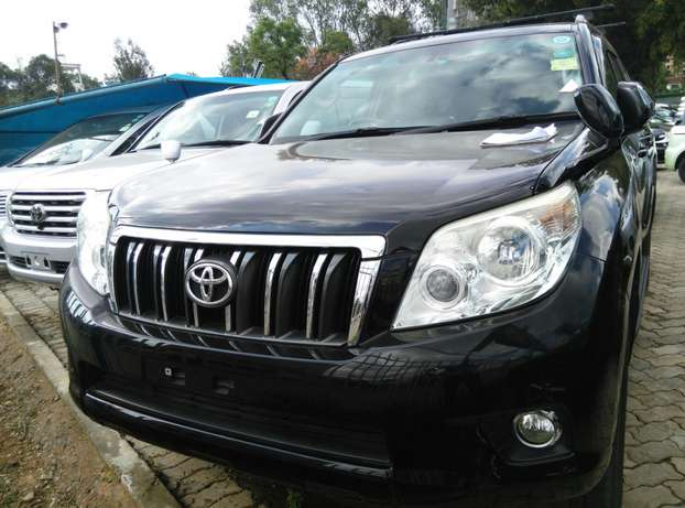 2009 Land cruiser Prado TX,2700cc,Sunroof,Leather seats,Back Camera. Nairobi CBD - image 2