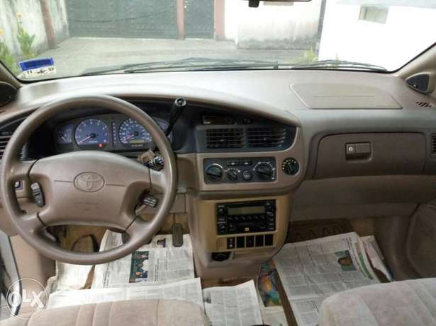 Toks lag cleared 02 toyota sienna LE for N1.750 Bariga - image 6