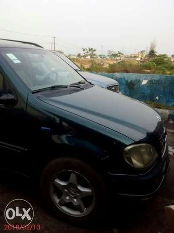 Neatly used 02 Mercedes-Benz ML 320 Ojo - image 3