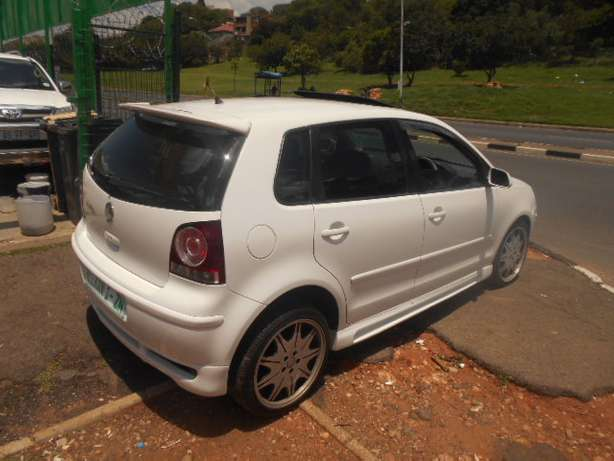 2008 VW Polo 1.6 Full house with mags and a sunroof for sale Johannesburg - image 6