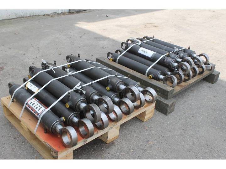Hydraulische Cilinder  80/45 374mm Slag 20 Stuks