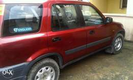Honda CRV 99 with AC and CD Located at Surulere ( Auto Transmission )