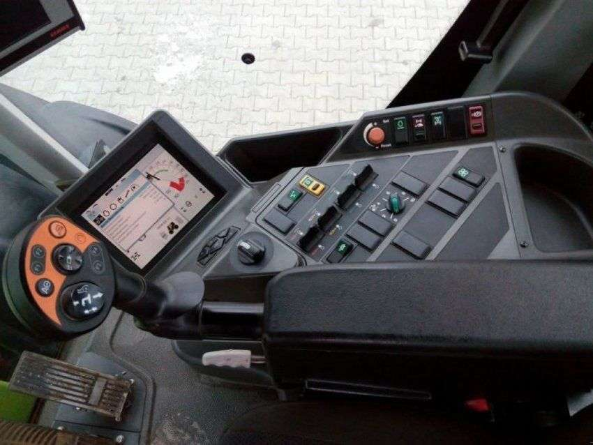 Claas xerion 3800 trac vc - 2012 - image 13