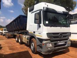 2010 Mercedes Benz 2651 Actros with 40 cube top trailer twin bin