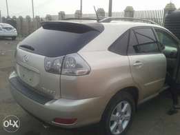 RX 330 up for Grab