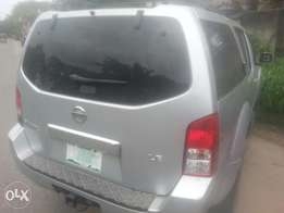 One year used nissan pathfinder 07 fuloption tincan cleared