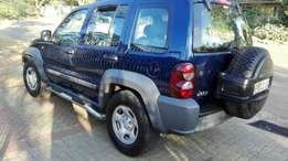 Jeep Cherokee 2005 2.4L in very good condition