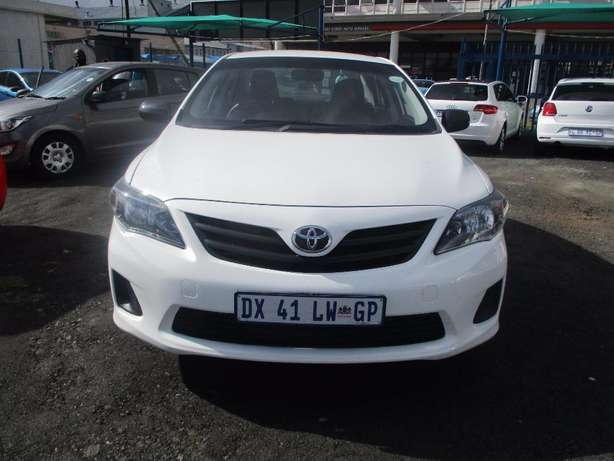 Toyota corolla quest 1.6 plus, 5-Doors, Factory A/c, C/d Player. Johannesburg CBD - image 1