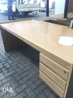 Office furniture, various pieces.