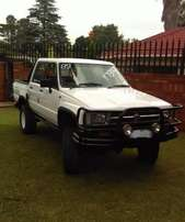 Well kept White Toyota Hilux D/C 4x4 - 1989