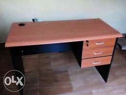 New office table 0085